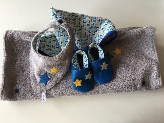 Ensemble chaussons, poncho de bain, bavoir bandana 2