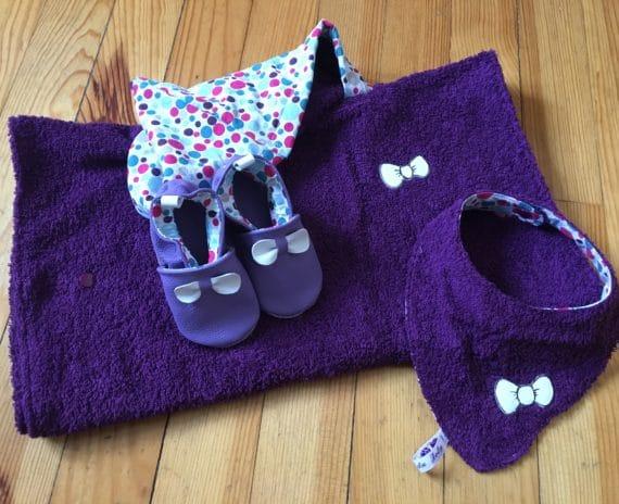 Ensemble chaussons, poncho de bain, bavoir bandana 3
